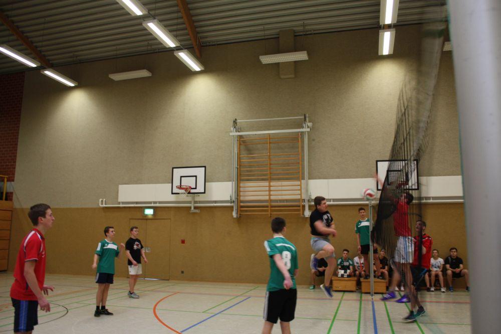 Sie sehen Bilder des Artikels: Volleyball- Zweifelderball-Turnier 2016