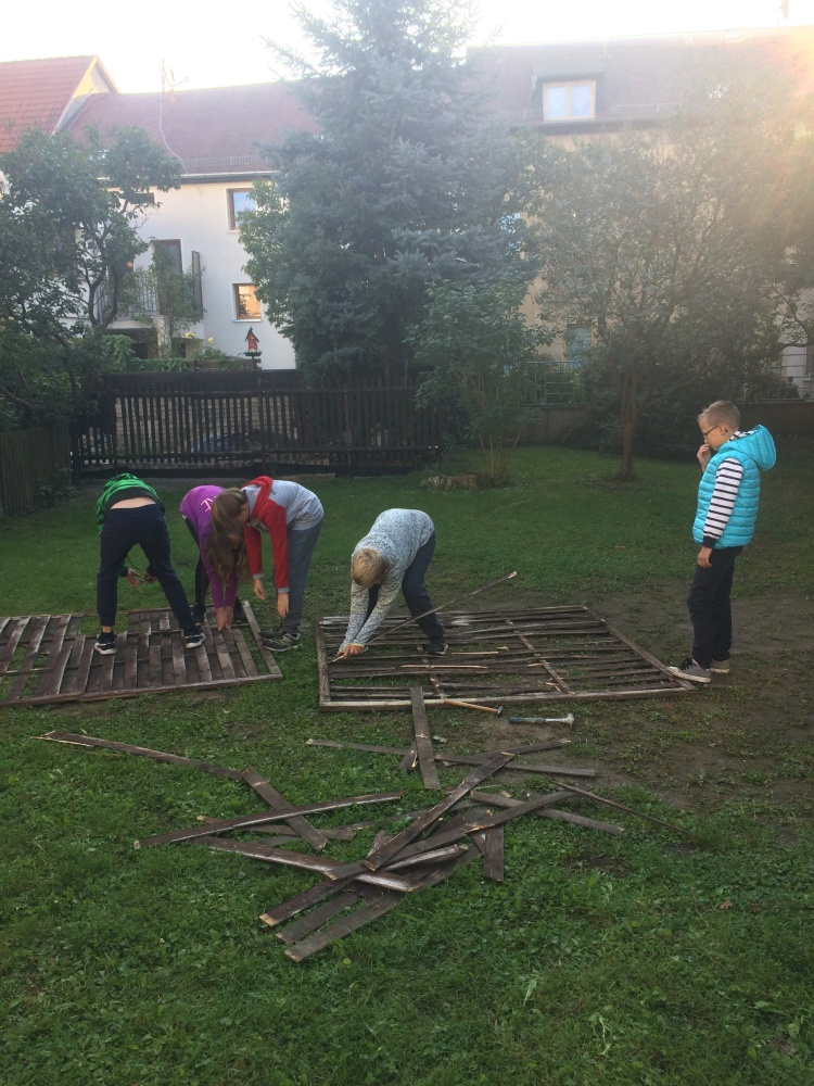 Sie sehen Bilder des Artikels: Unser Schulhofprojekt - Die Umsetzung