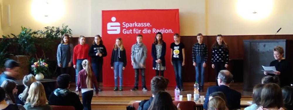 """Sie sehen Bilder des Artikels: """"Ein bunter Strauß Poesie"""" – Rezitatorenwettbewerb 2018"""